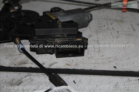 VolksWagen GOLF 3a Serie VARIANT Alzacristallo elettr. porta ant.3-5 P.con central.  #4