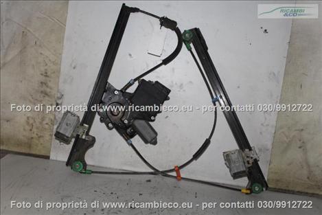 VolksWagen GOLF 3a Serie VARIANT Alzacristallo elettr. porta ant.3-5 P.con central.  #1