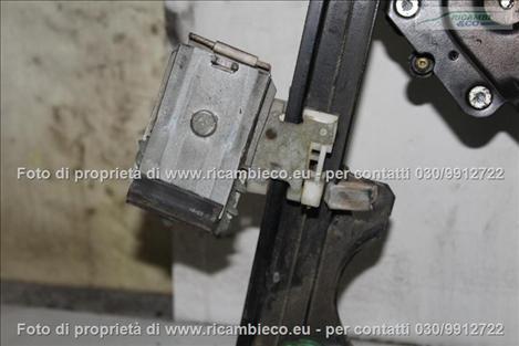 VolksWagen GOLF 3a Serie VARIANT Alzacristallo elettr. porta ant.3-5 P.con central.  #2