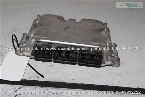 Opel VIVARO (99>06<)(06>13<) Centralina iniezione 1.9 CDTI BOSCH 0281010320 #1