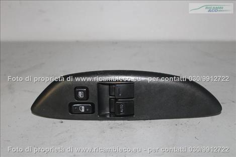 Toyota YARIS (99>03<) 2 Pulsanti alzavetro ant. Sx+blocco porte+blocco vetri 5p  #1