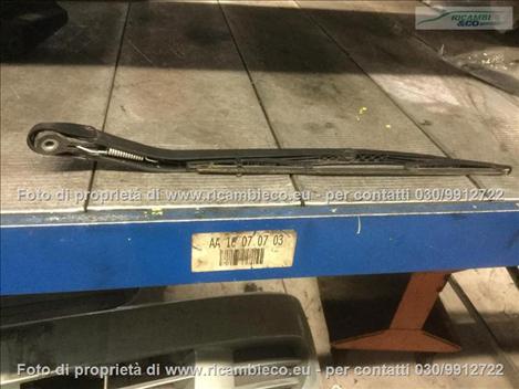 Fiat PUNTO (99>03<) Braccio tergilunotto 5 PORTE  #1